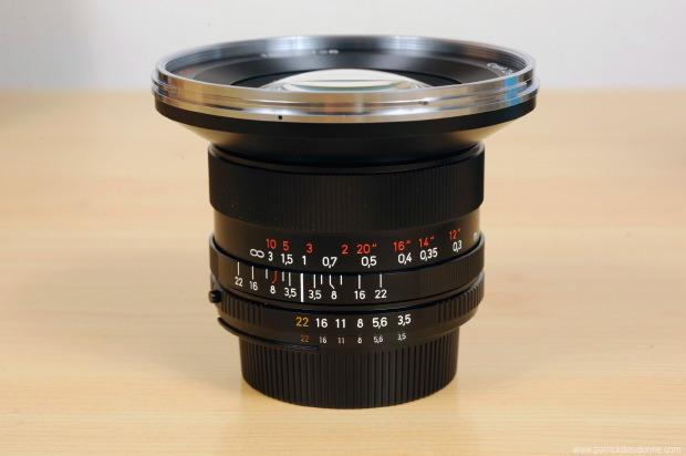 Objectif Zeiss Distagon 18 mm f3.5, en monture Nikon (ZF2)
