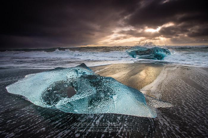 Plage de Jokulsarlon, icebergs rejetés par la marée, D 800E, 17-35 mm f 2,8 à 17 mm