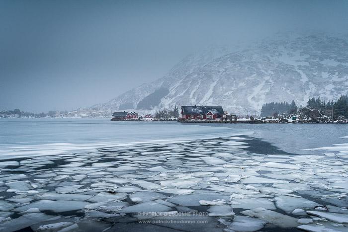 Glaces dans un fjord, Lofoten