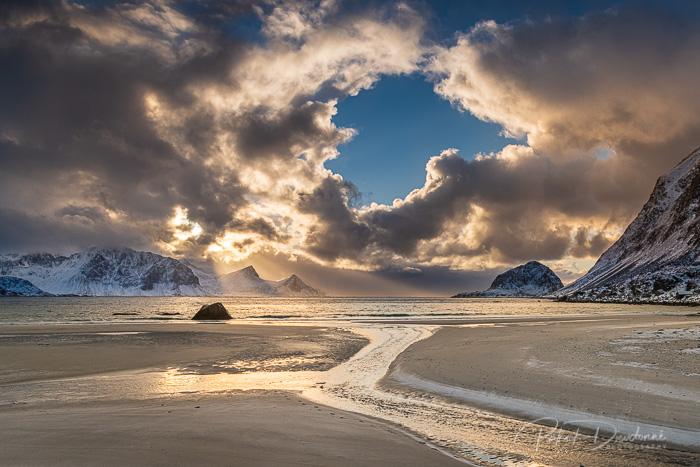 Lofoten, coucher de soleil dans les nuages, Nikon D850, 24-70 mm 2,8, à 26 mm. 1-640e à f13