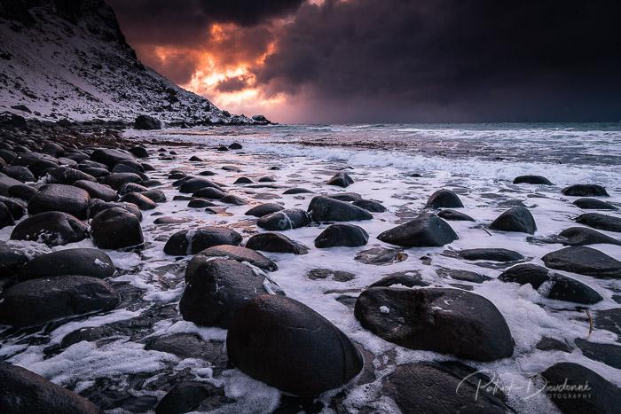 Lofoten, soleil couchant. Nikon D850 et 14-24mm 2,8