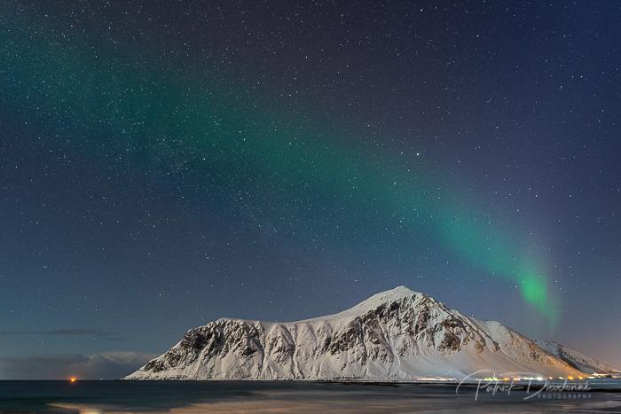 Aurore et montagne, Lofoten.