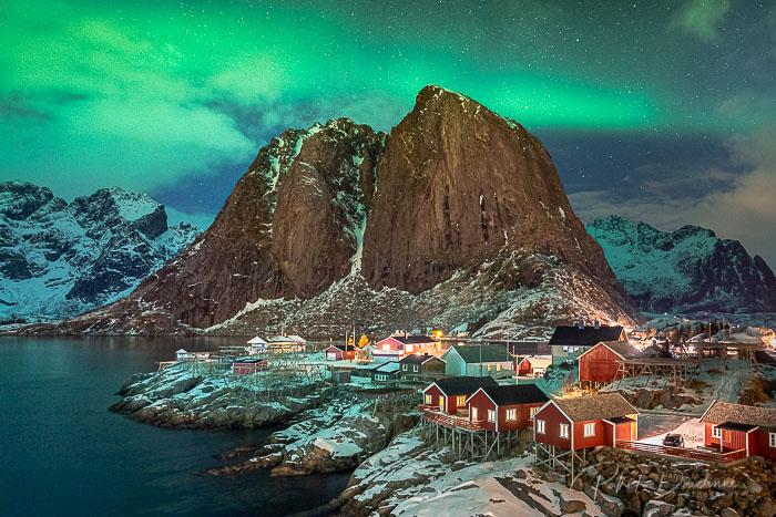 lofoten-2020-01-4-3Hamnoy de nuit, Lofoten, avec aurore boréale