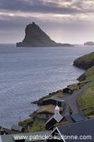 Tindholmur,_Vagar,_Faroe_islands___Tindholmur,_iles_Feroe___FER634