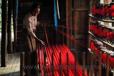 Lac Inlé, atelier de tissage de soie