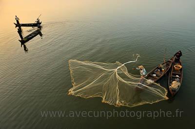 U Bein, Lac Taungthman et pêche à l'épervier